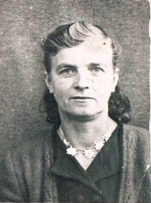 p. Aniela Nowak zdjęcie z młodości